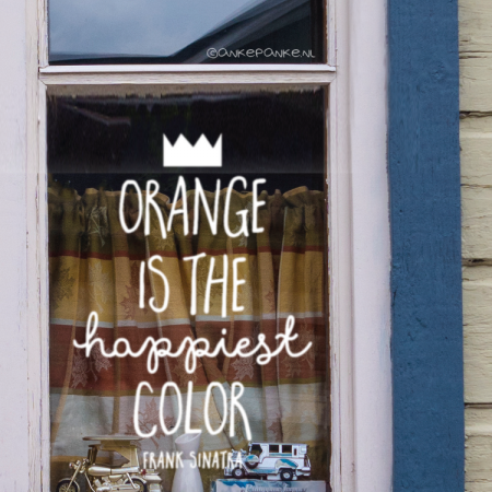 Orange is the happiest color quote raamtekening