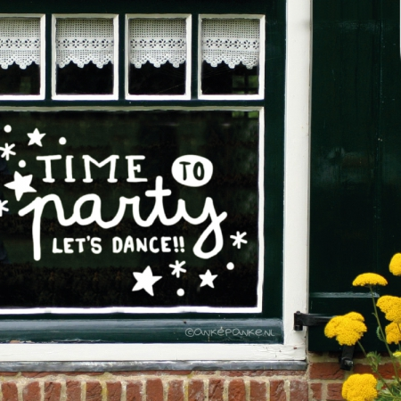 Time to party let's dance handlettering quote verjaardag raamtekening