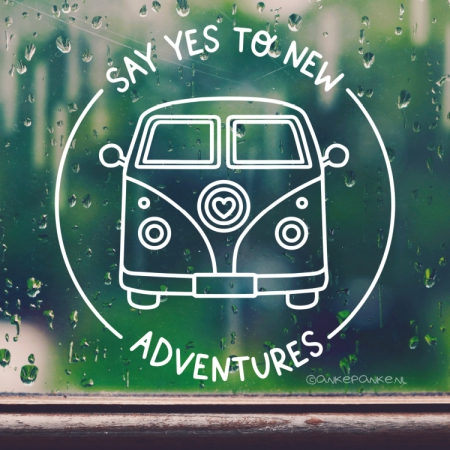 Say yes to adventures quote raamtekening